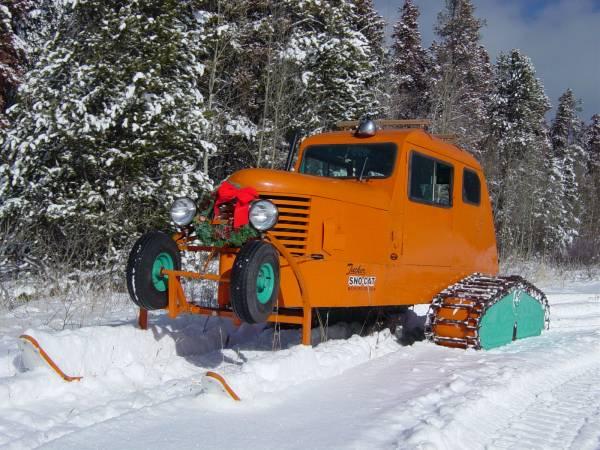 1949 Tucker Sno-Cat 2 ski + 2 track setup  PHOTO: wiki