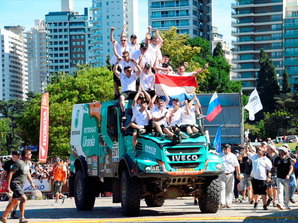 Photo to show size of the trucks. This was the Iveco that won the 2016 Rally Photo: Iveco.com