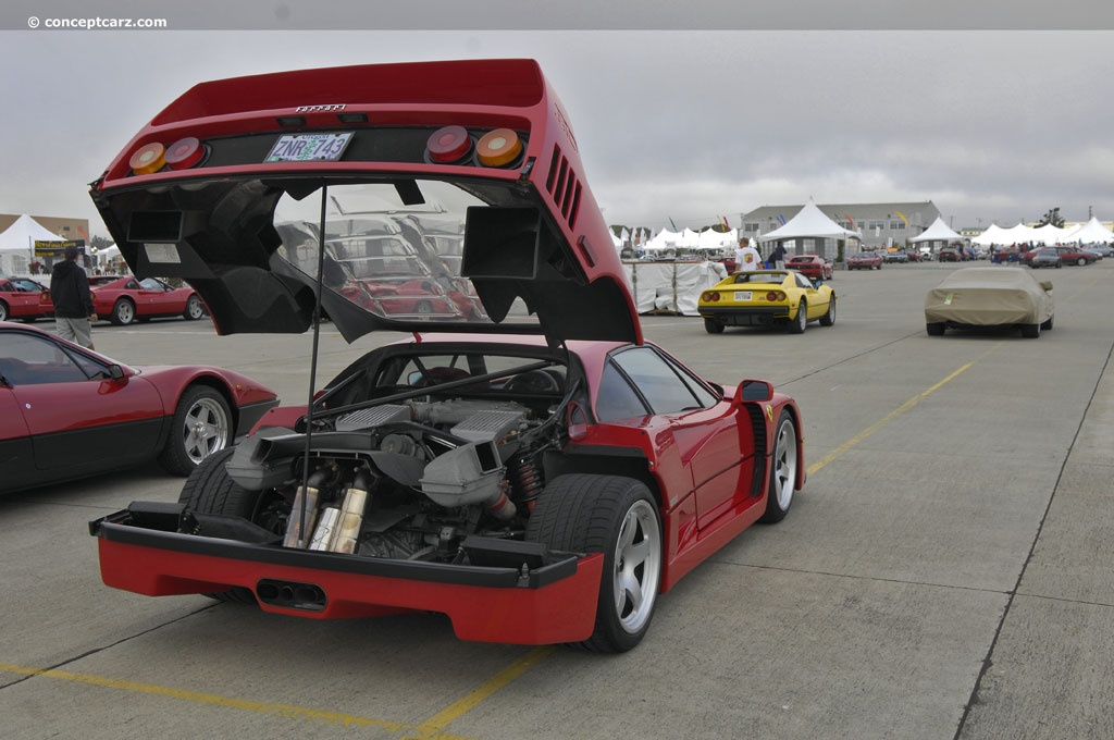 Mid mounted V8 so its like a rear hood that opens on the F40 Photo:conceptcarz