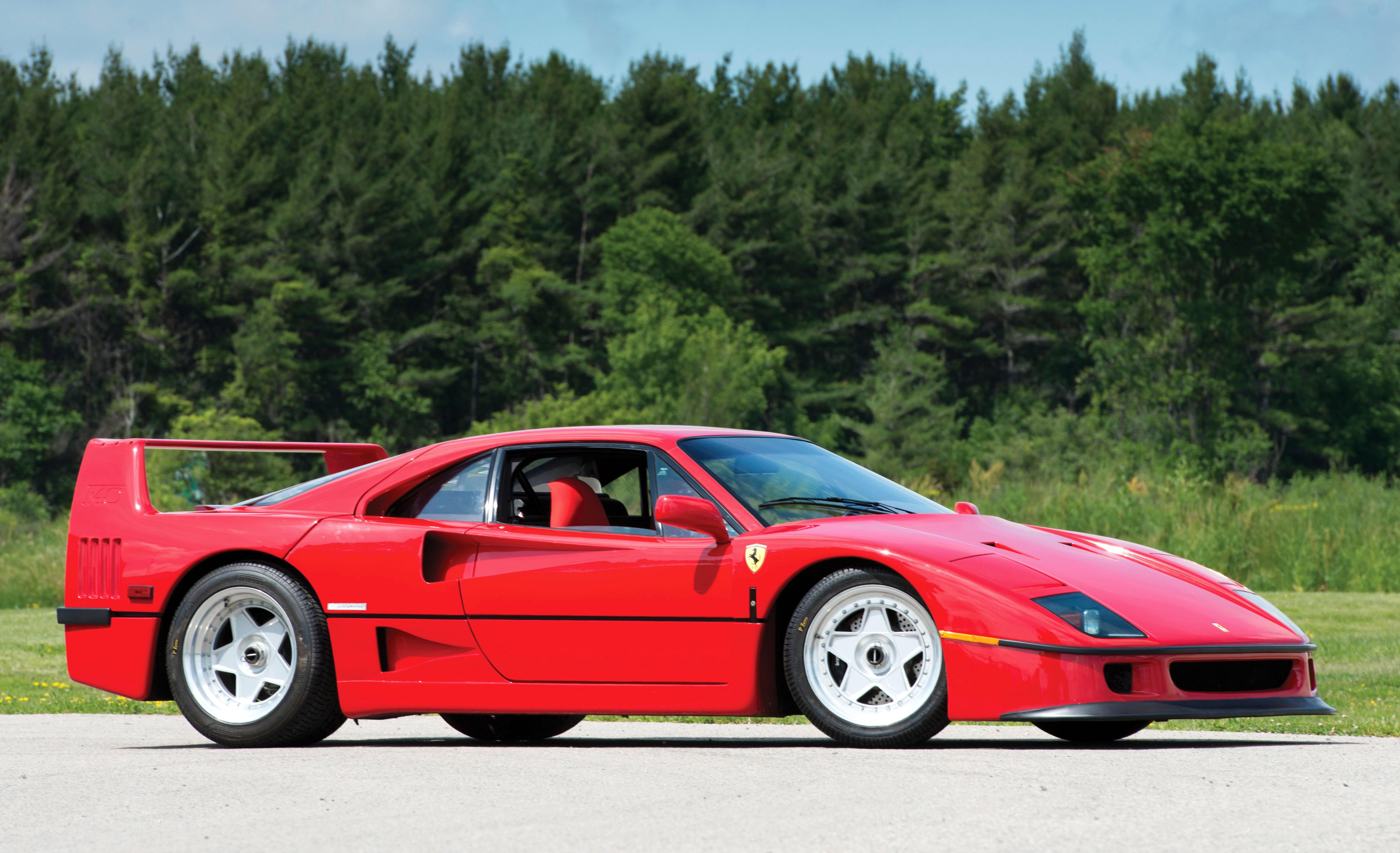 The first production car to hit 200mph the 1987 ferrari f40 ferrari f40 photo topmarques vanachro Choice Image