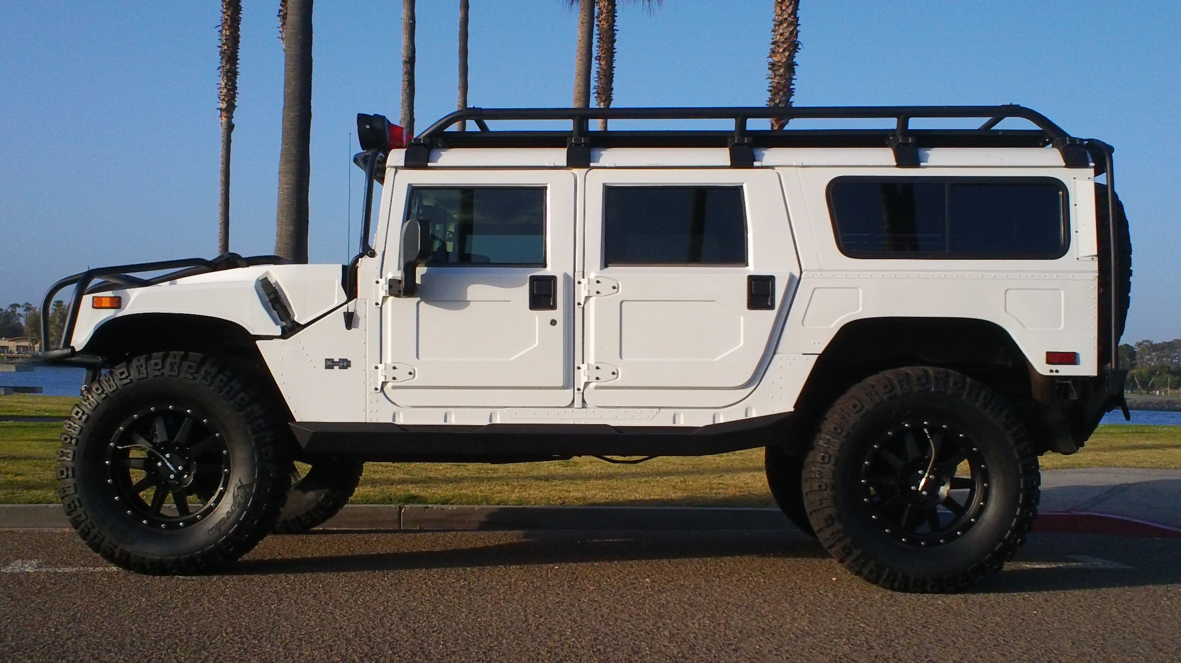 Hummer H1 Photo: Thehummerguy