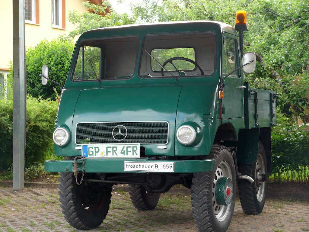 Unimog 401. You can also see the portal axle. Photo: Panoramio