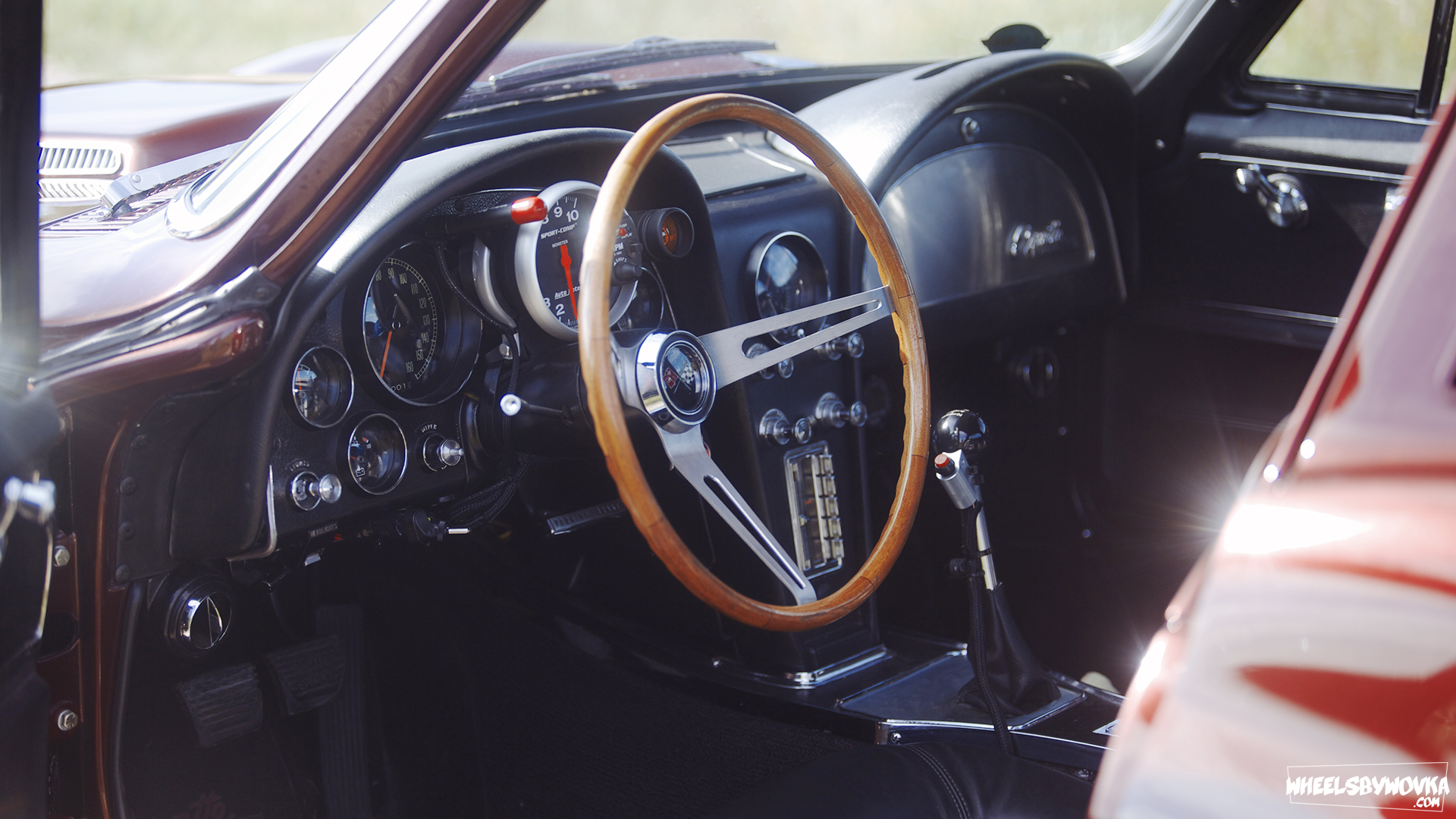 Notice the Red Button on the gearshift  for the Nitrous. Photo: wheelsbywovka