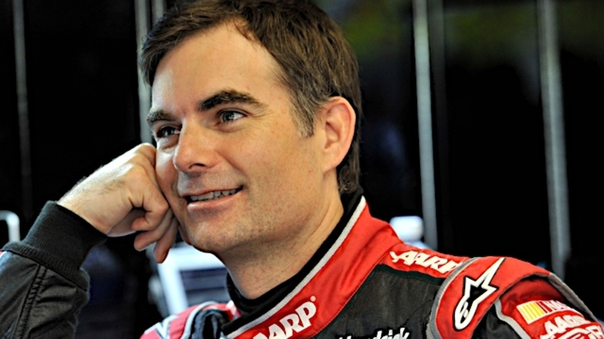 Jeff-Gordon-Dale-Earnhardt-Jr-qualify-in-top-15-at-Darlington-5781_1