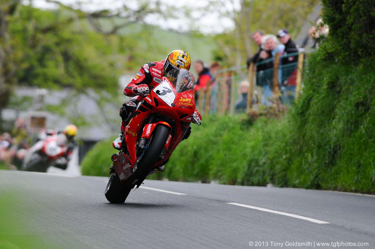 modern day Isle of Man TT Photo: ashpaltandrubber