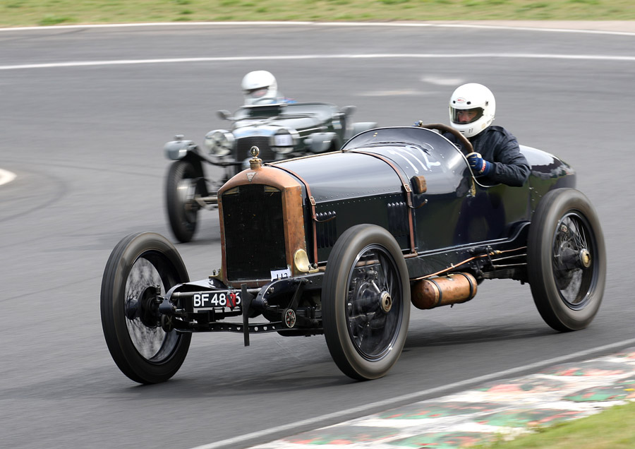 Example of an open cockpit racer of that era, minus the modern helmets of course. Photo: flickr