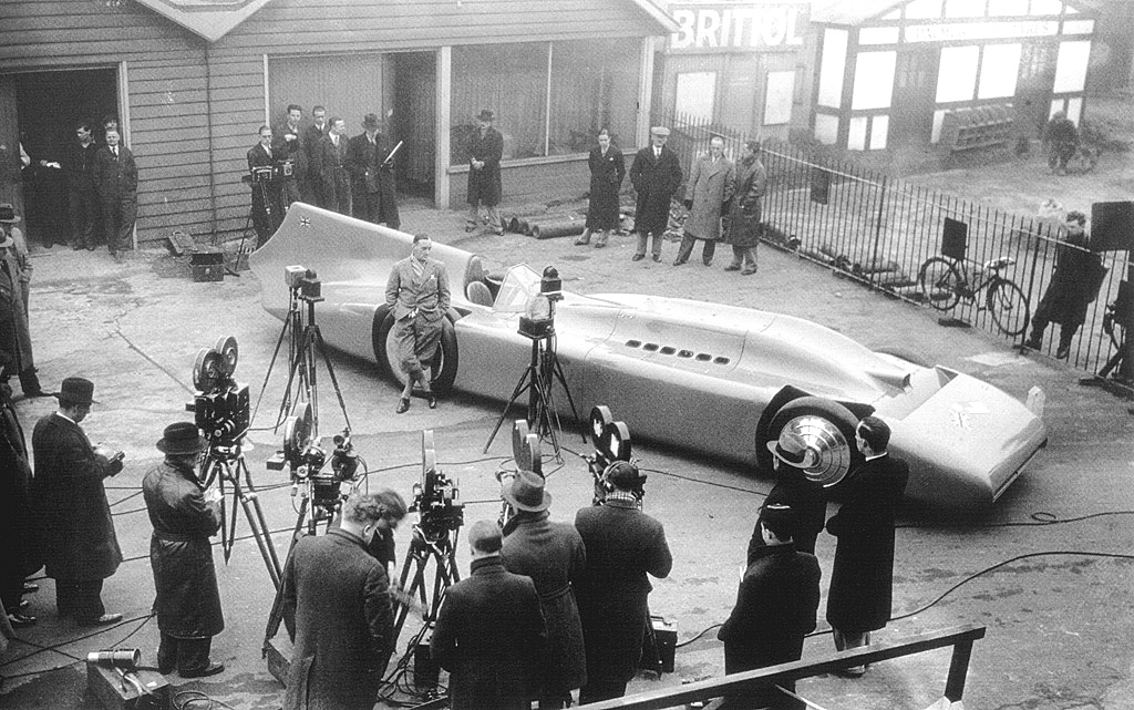 300mph record breaking car Photo: tumblr