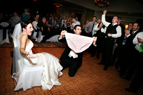 crazy wedding photos that the photographer definitely wasn t